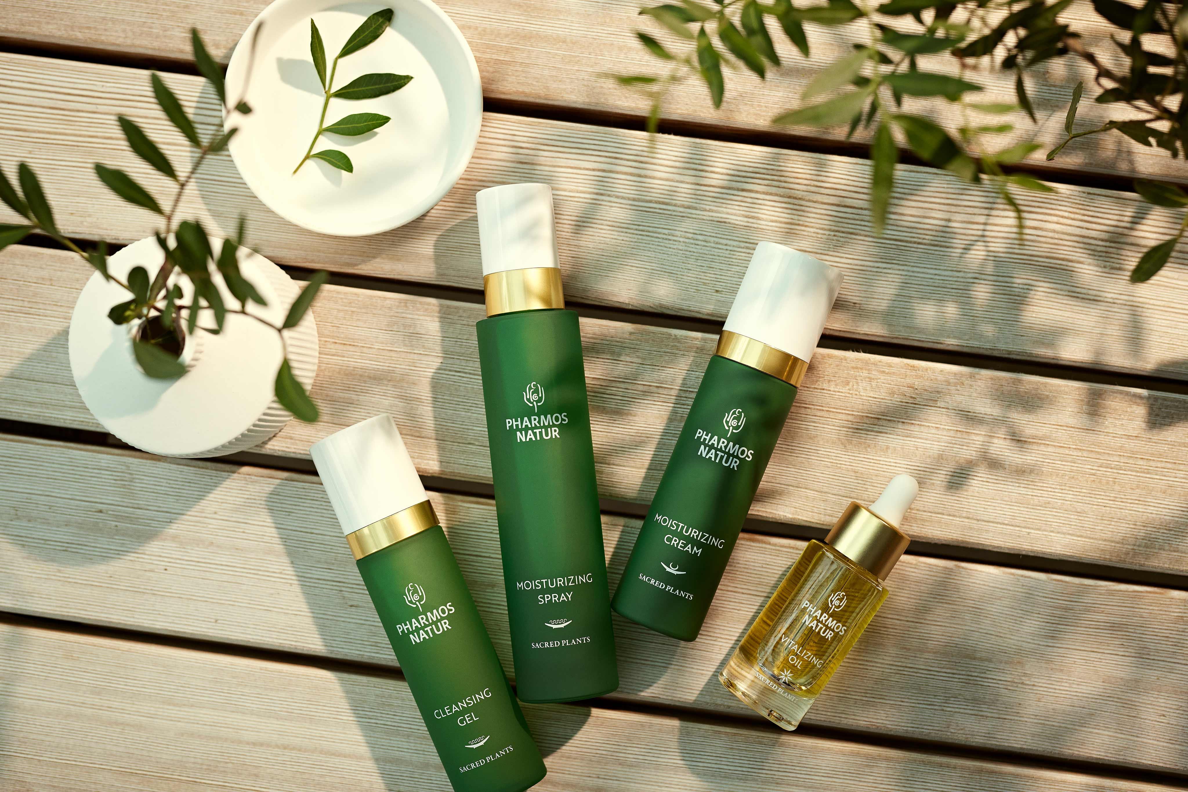Produkte für normale Haut mit Cleansing Gel, Moisturizing Spray, Moisturizing Cream und Vitalizing Oil