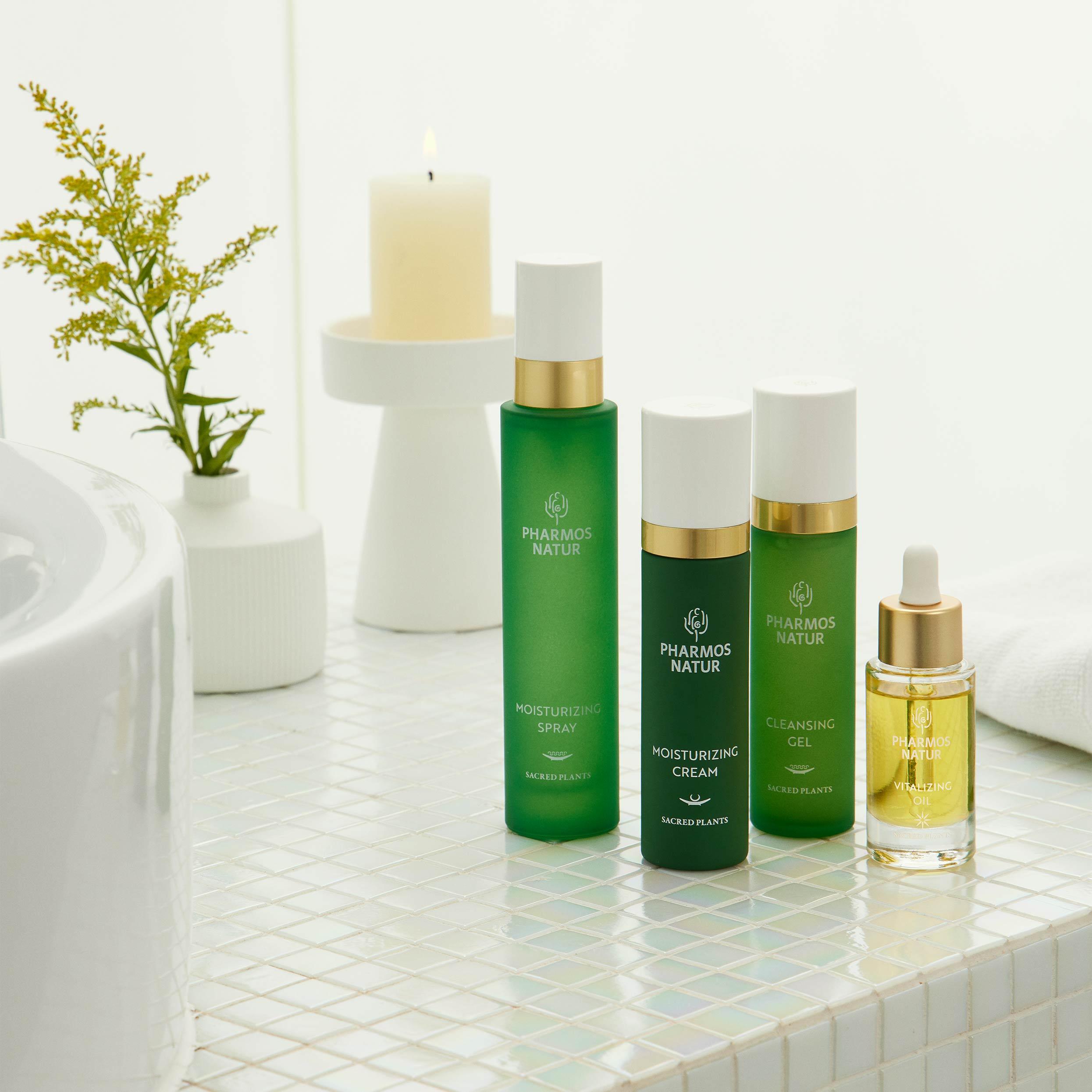 Normale Haut Produkte auf kleinen weißen Fliesen im Badezimmer