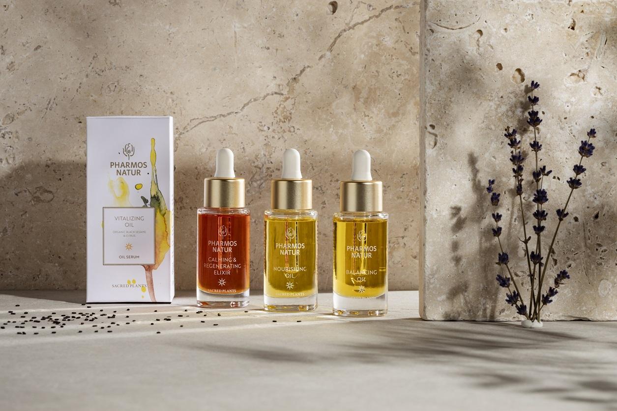 Produktlinie Oil Serum mit Vitalizing Oil, Calming & Regenerating Elixir, Nourishing Oil und Balancing Oil