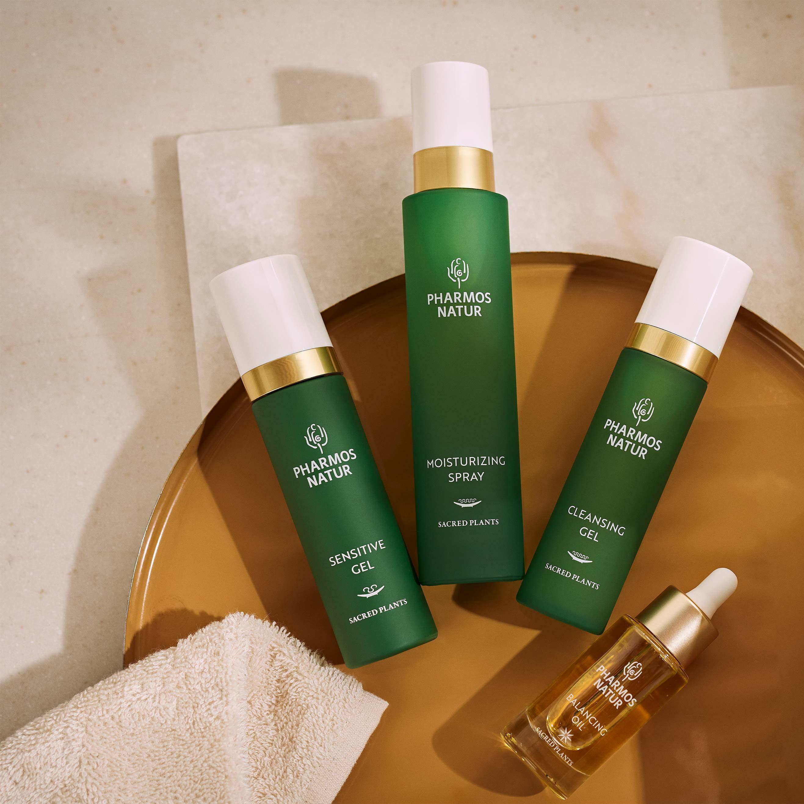 Drei grüne Produkte und Öl Serum für ölige Haut
