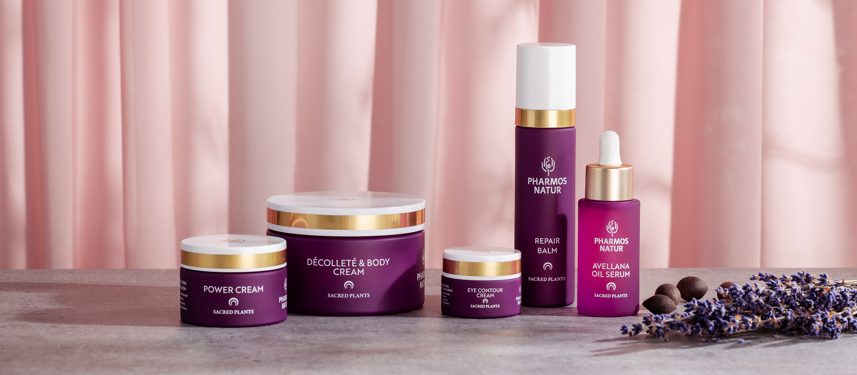 Produktabbild: fünf verschiedene, lilane Love Your Age Produkte abgebildet