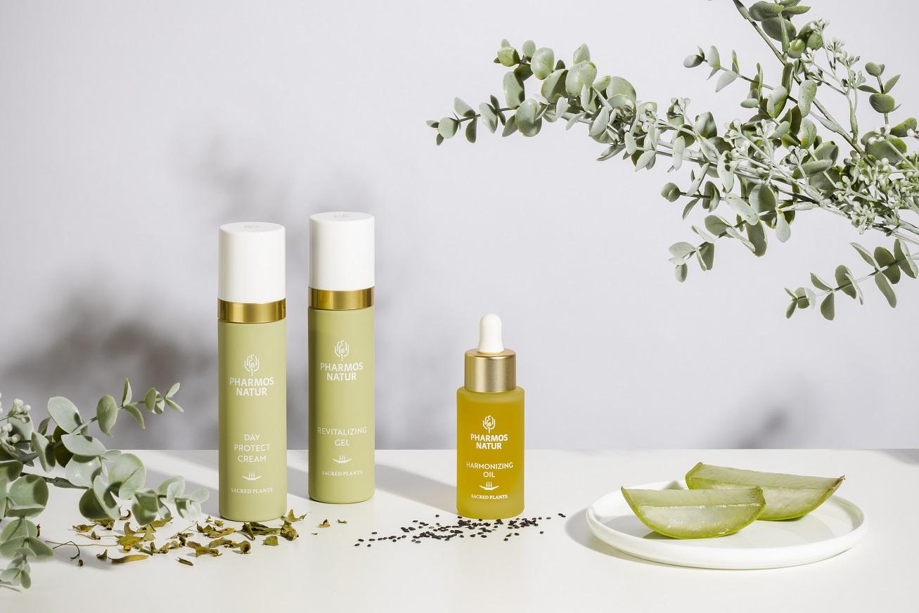 Produktlinie Skin Therapy mit Day Protect Cream, Revitalizing Gel und Harmonizing Oil